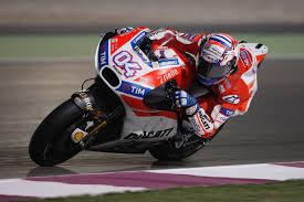 MotoGP Dovizioso Rossi avvio di fuoco a Losail